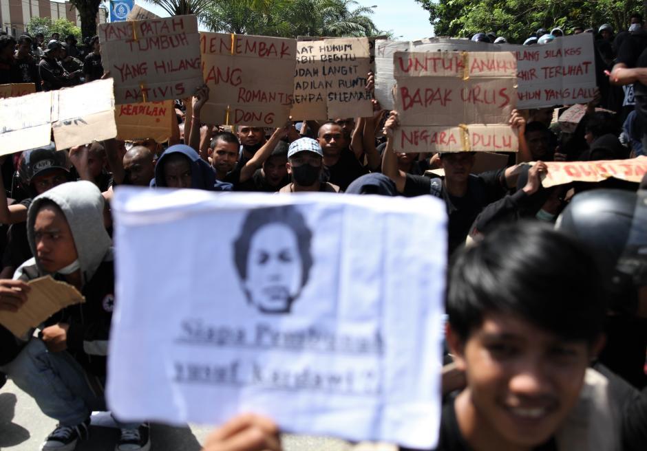Peringatan September Berdarah di Kendari, Mahasiswa dan Polisi Bentrok-1