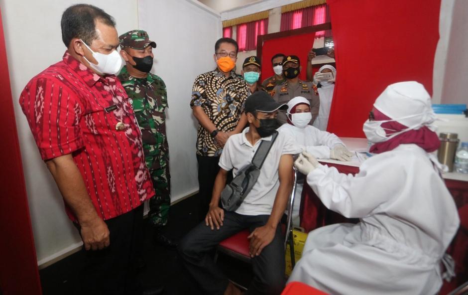 Percepat Vaksinasi di Kabupaten Semarang, Sentra Vaksinasi dan Tim Vaksin Keliling Diluncurkan-4