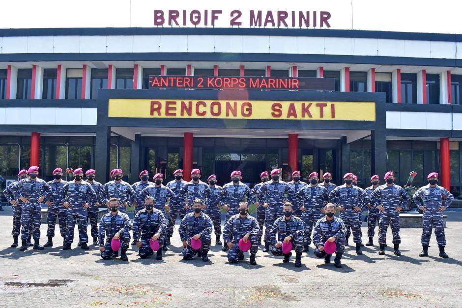 Tradisi Kenaikan Pangkat Perwira Pertama Brigif 2 Marinir-3
