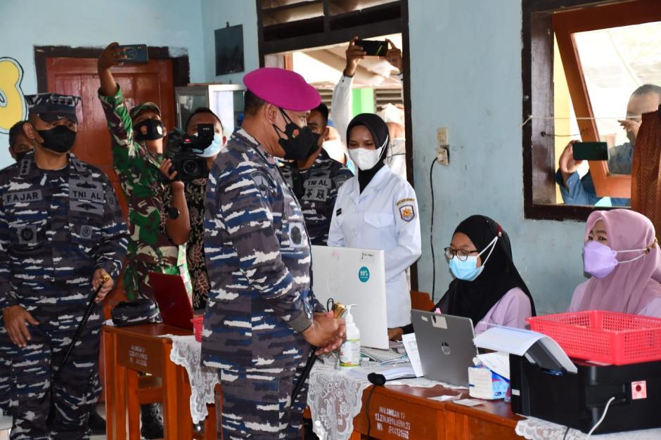 TNI AL Lantamal III Geruduk Pelajar dan Masyarakat di Kepulauan Belitung-3