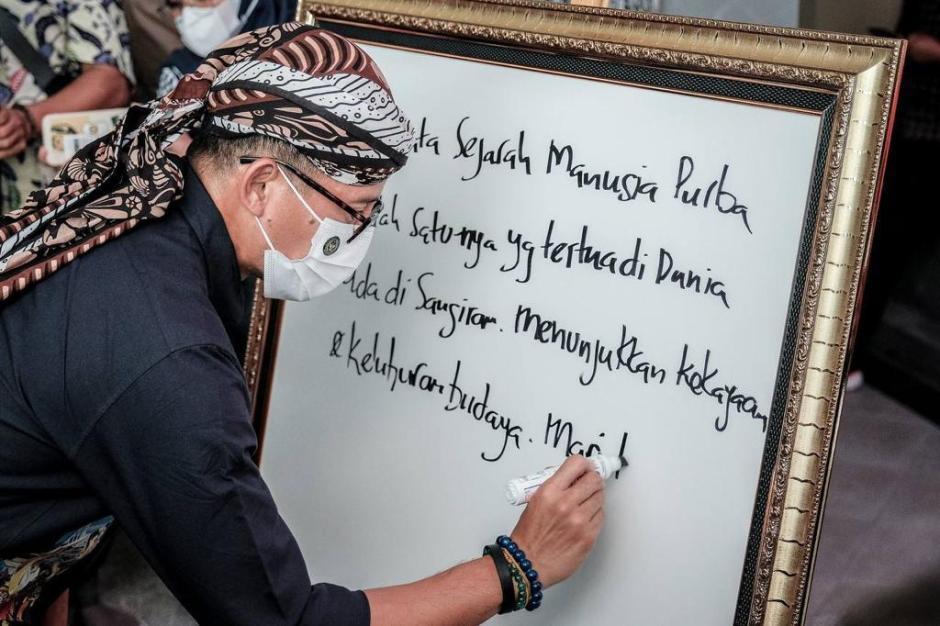 Menteri Sandiaga Uno Dengarkan Keluhan Pedagang di Kawasan Wisata-6