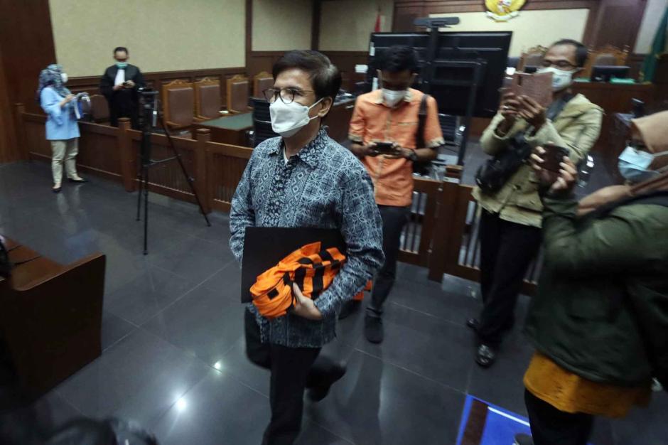 Terdakwa Yoory Corneles Jalani Sidang Dakwaan Kasus Dugaan Pengadaan Tanah di Munjul-2
