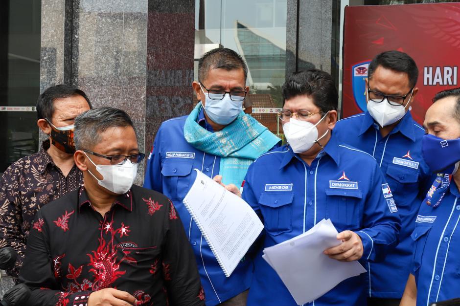 Perkuat Bukti di MA, Partai Demokrat Sambangi Kantor Kementerian Hukum dan HAM-3